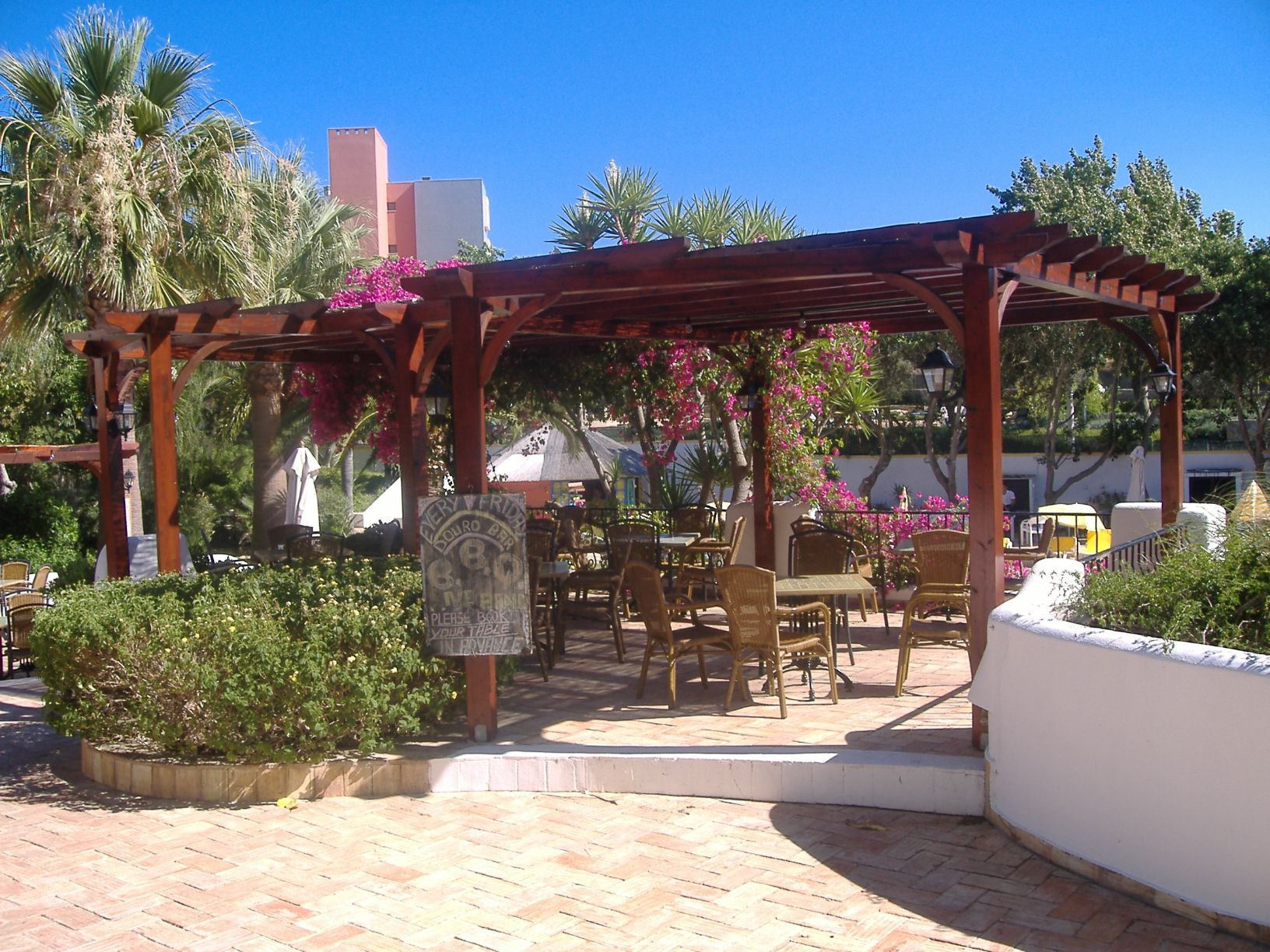Alto country club alvor pool bar