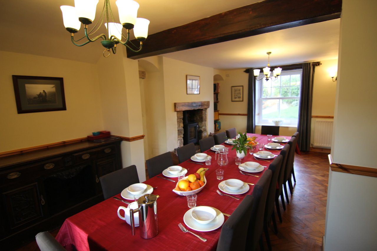Dining room with seating for 14 people