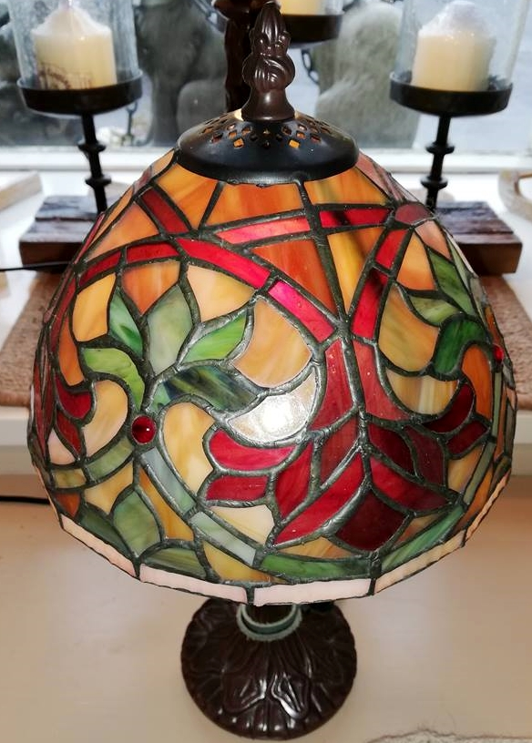 Tiffany Coloured Flower Lamp