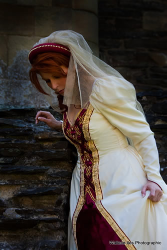 Princess. Cream and burgundy medieval gown to hire