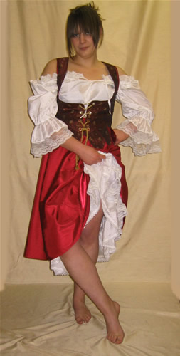 Wench costume in red and burgundy