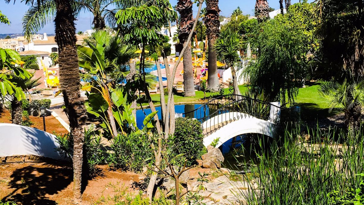 Alto country club alvor gardens