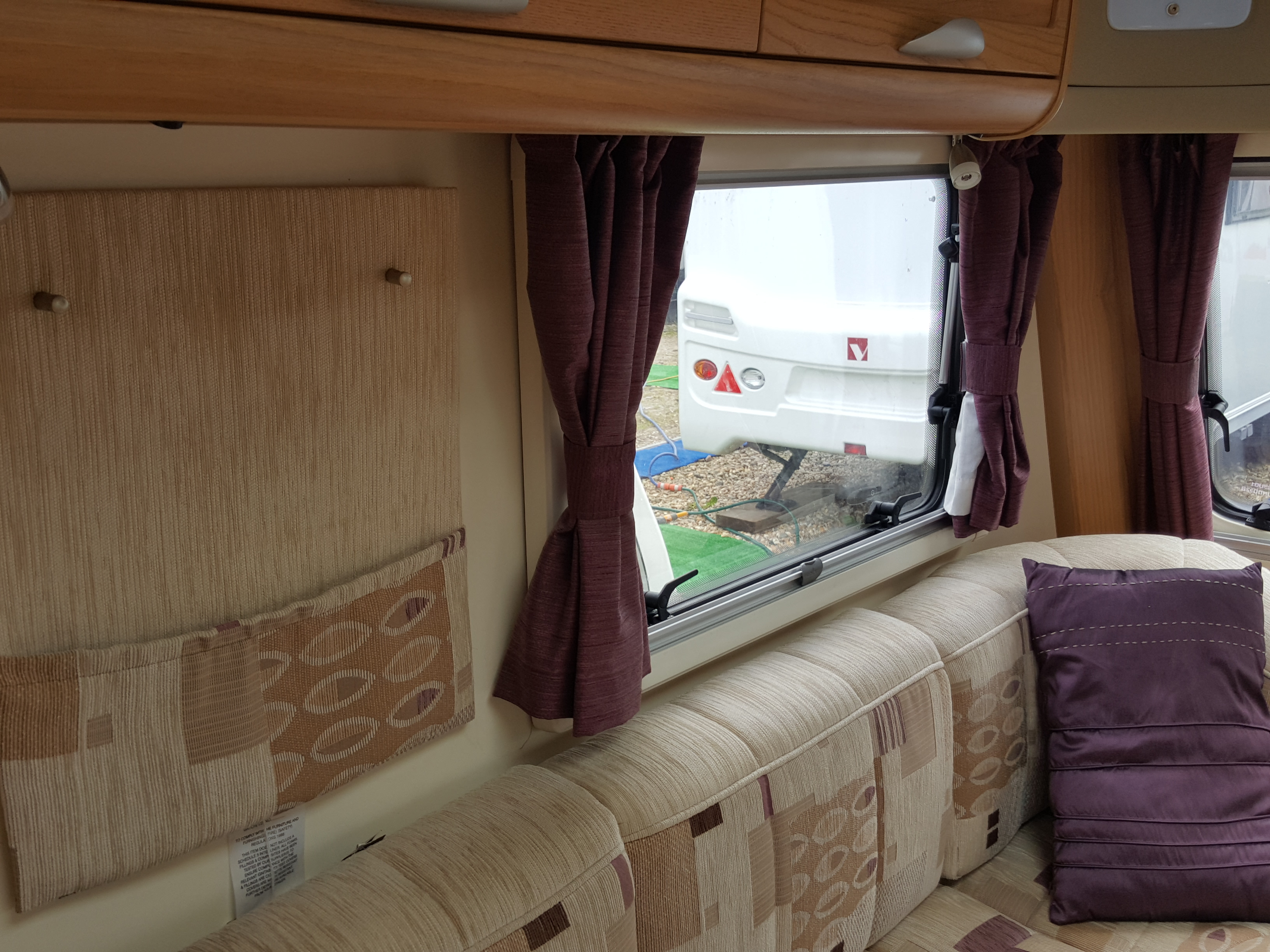 2012 Bailey Unicorn Valencia 4 Berth Fixed Bed End Washroom Caravan with Motor Mover