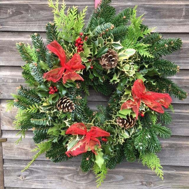 Mixed Holly/Fir Decorated Wreath