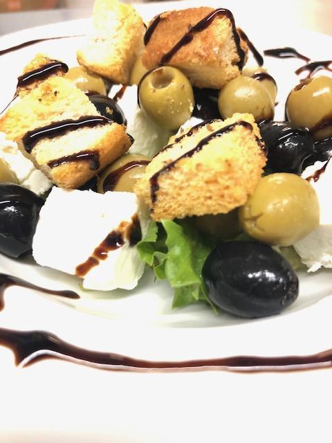 Olives & Feta & Croutons