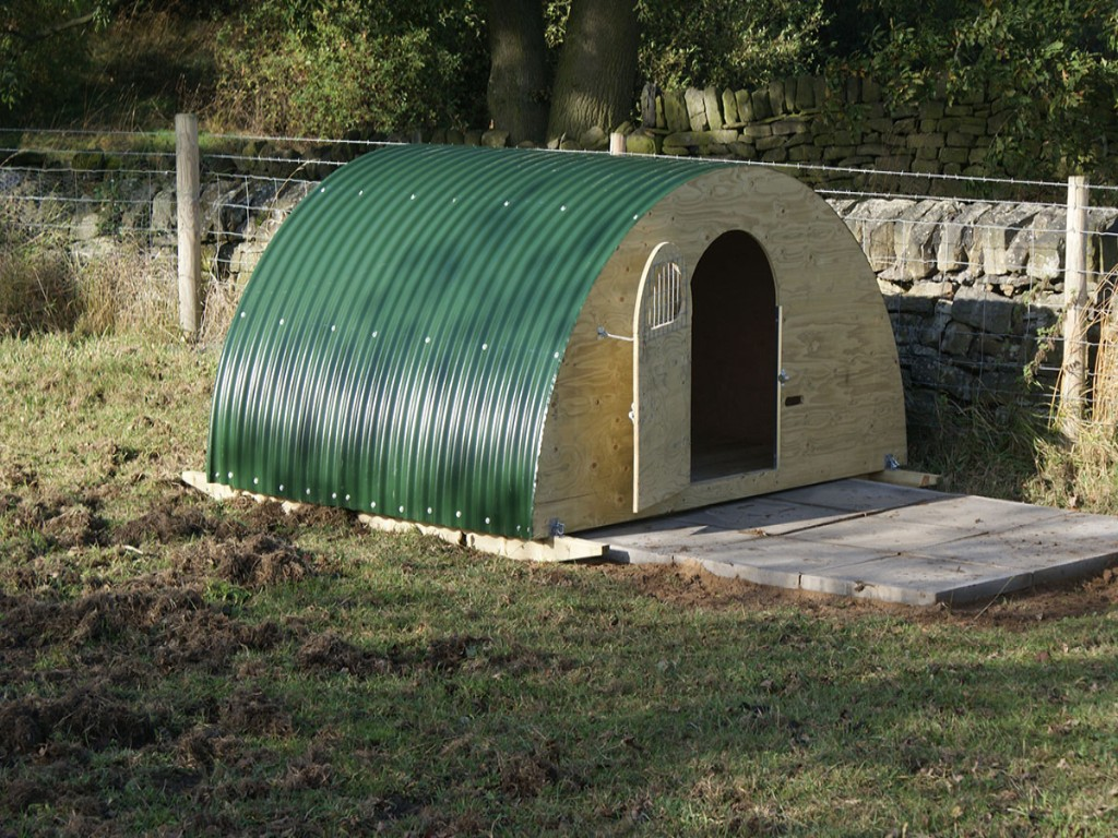 Ready Built Pig and Animal Arks for Keeping Pigs at Little Morton Farm Derbyshire & Nottinghamshire