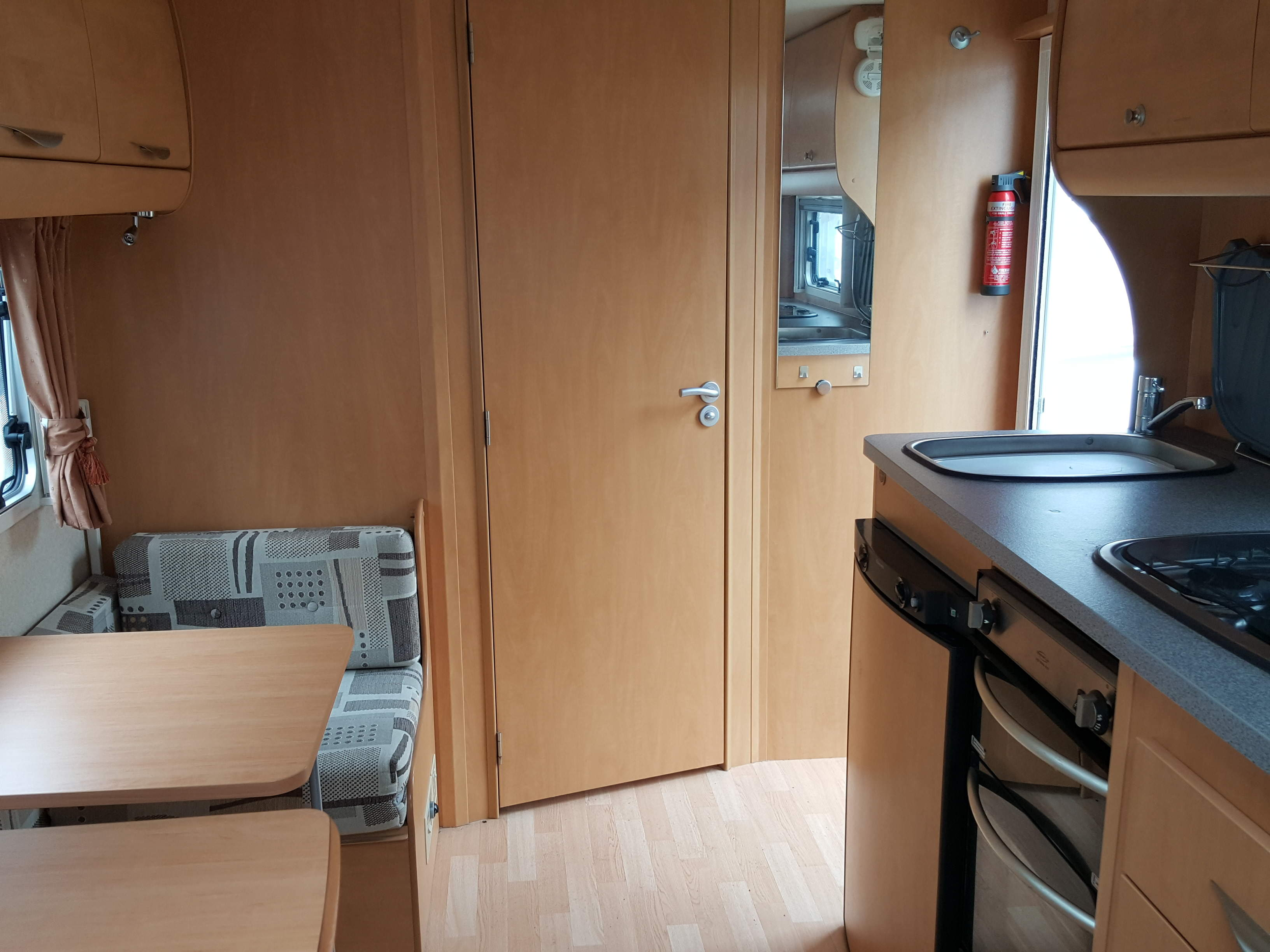SUPERB 2009 Bailey Senator Arizona 4 Berth Side Dinette End Washroom Caravan NOW REDUCED!!