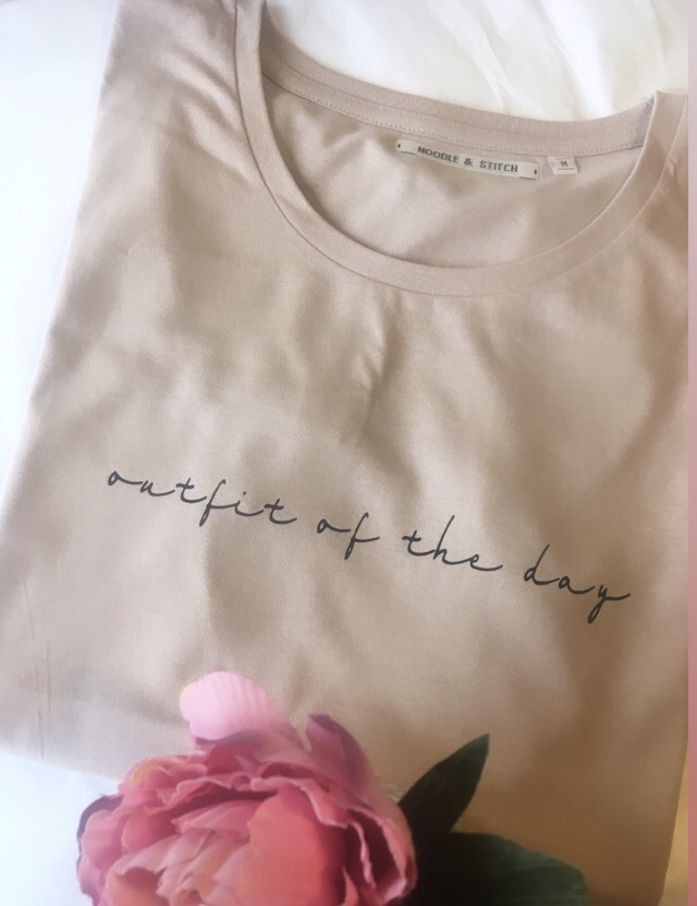 'outfit of the day' Organic Slogan Tshirt