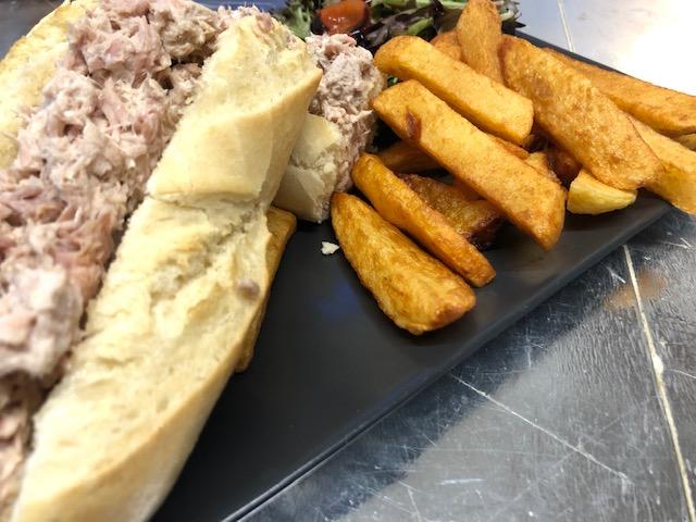 Tuna mayo served with salad