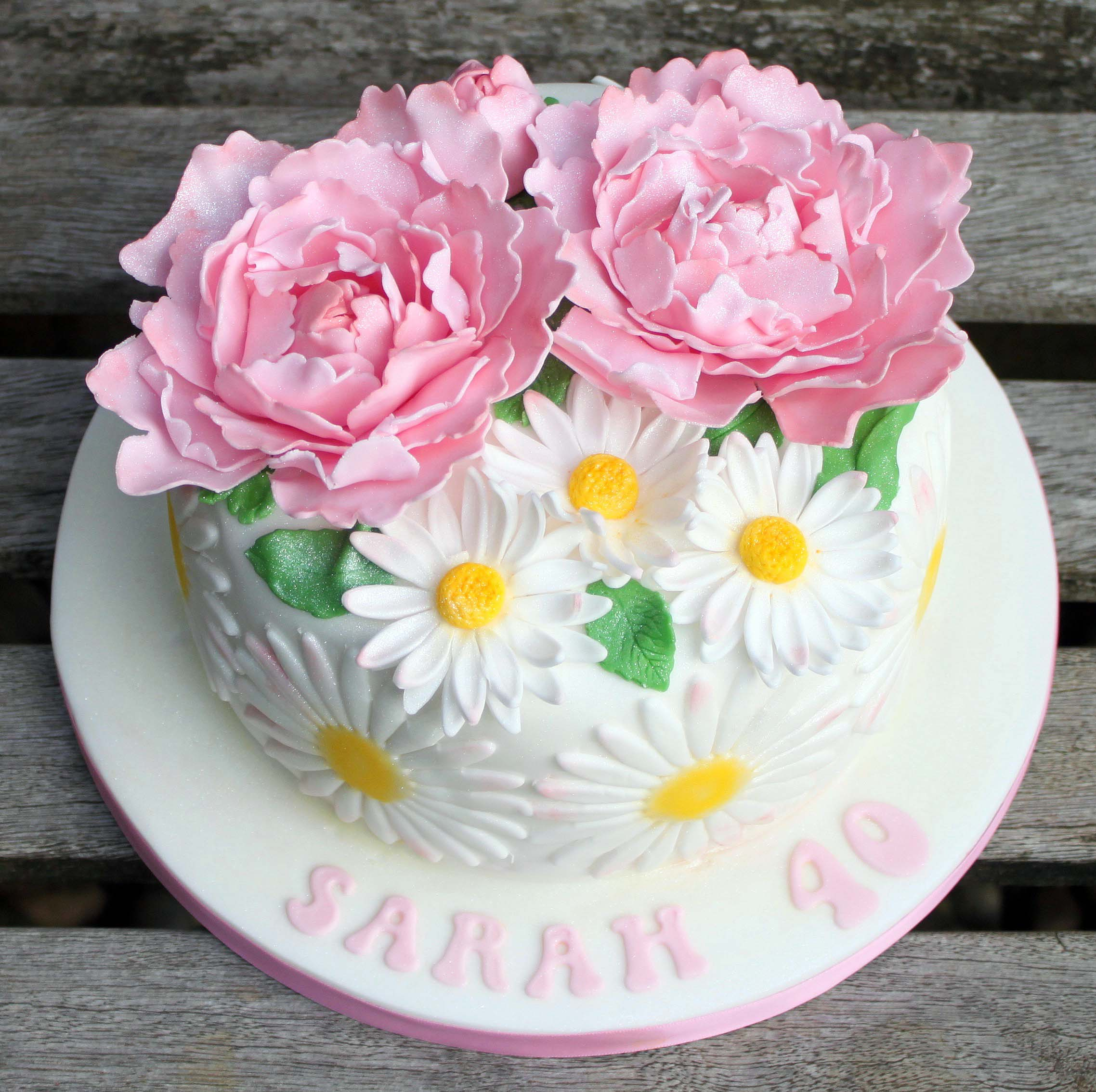 Peonies and daisies cake