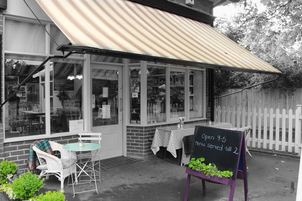 Pierreponts Cafe Goring on Thames