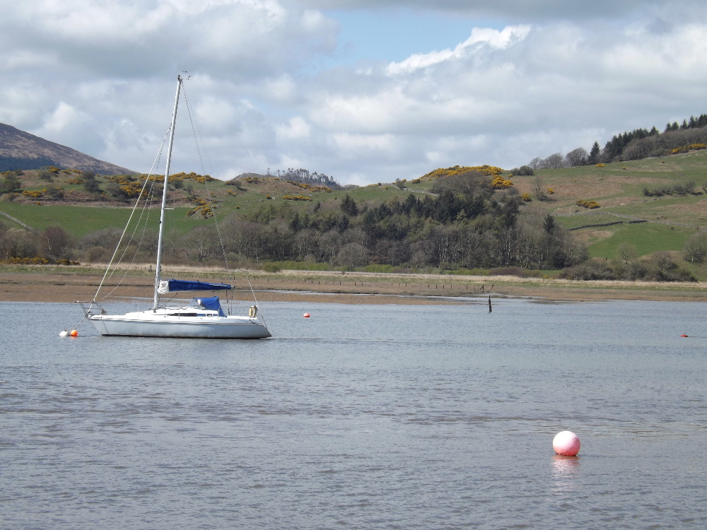 Peaceful boating conditions near Kippford.