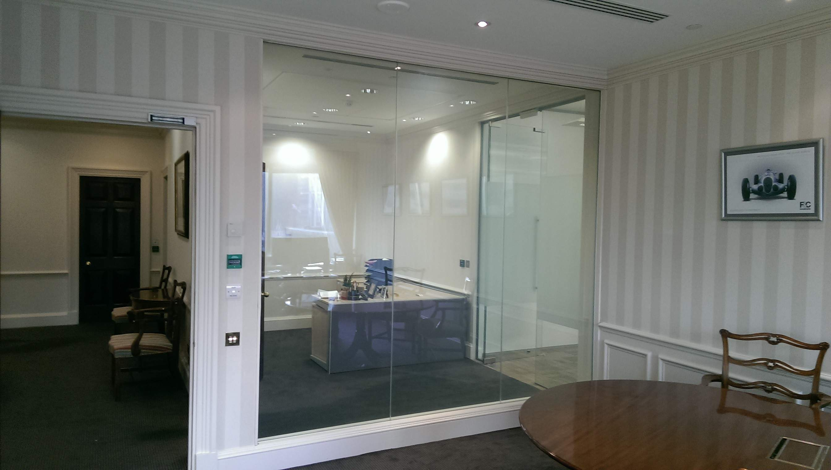 ELECTRIC SMART GLASS OFFICE