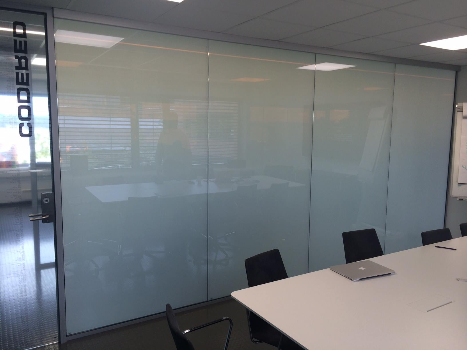 I-GLASS TOUGHENED OFFICE PARTITION PRIVATE