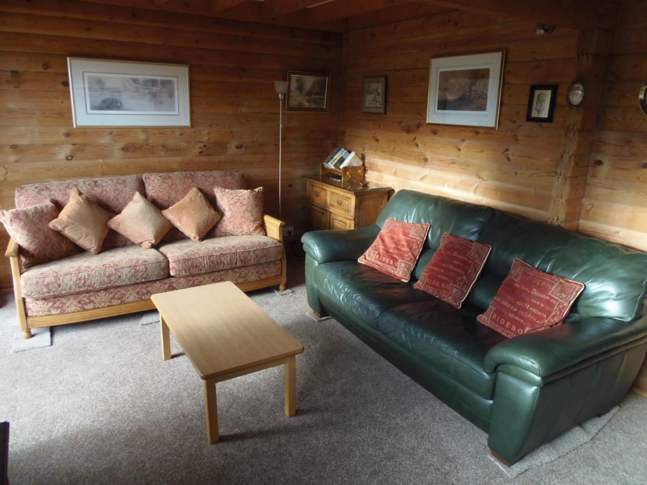 Owl Lodge - Lounge Area