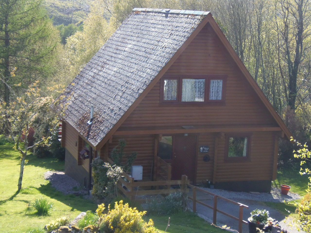 Owl Lodge - Front of Chalet