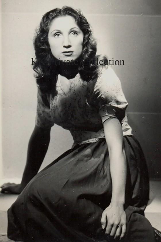 Katherine Kath Paris 1944