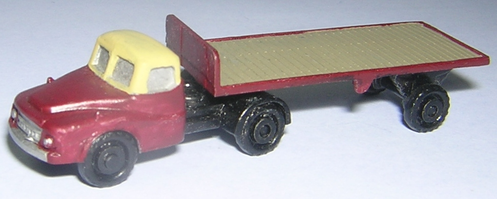N238 BMC Articulated Lorry with flat trailer