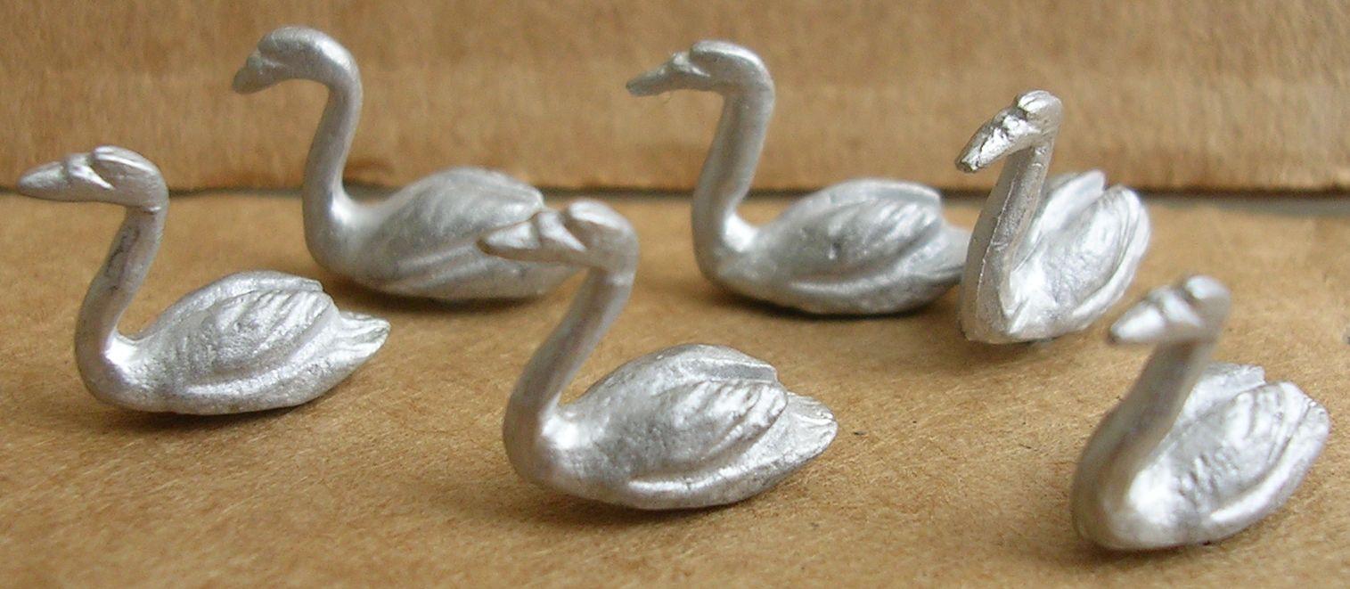4534 Swans