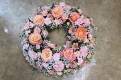 funeral wreath by flowers for you, dalbeattie, with peach roses
