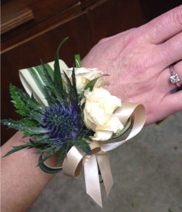 Wedding corsages and posies for bridesmaids and other wedding guests