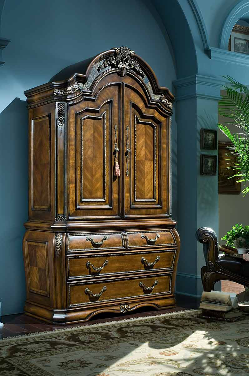 Oppulente bedroom armoire