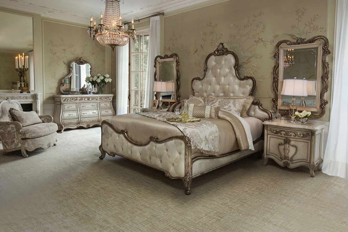 The Platine de Royale bedroom suite