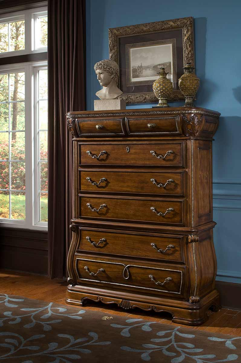 The Sovereign chest of drawers