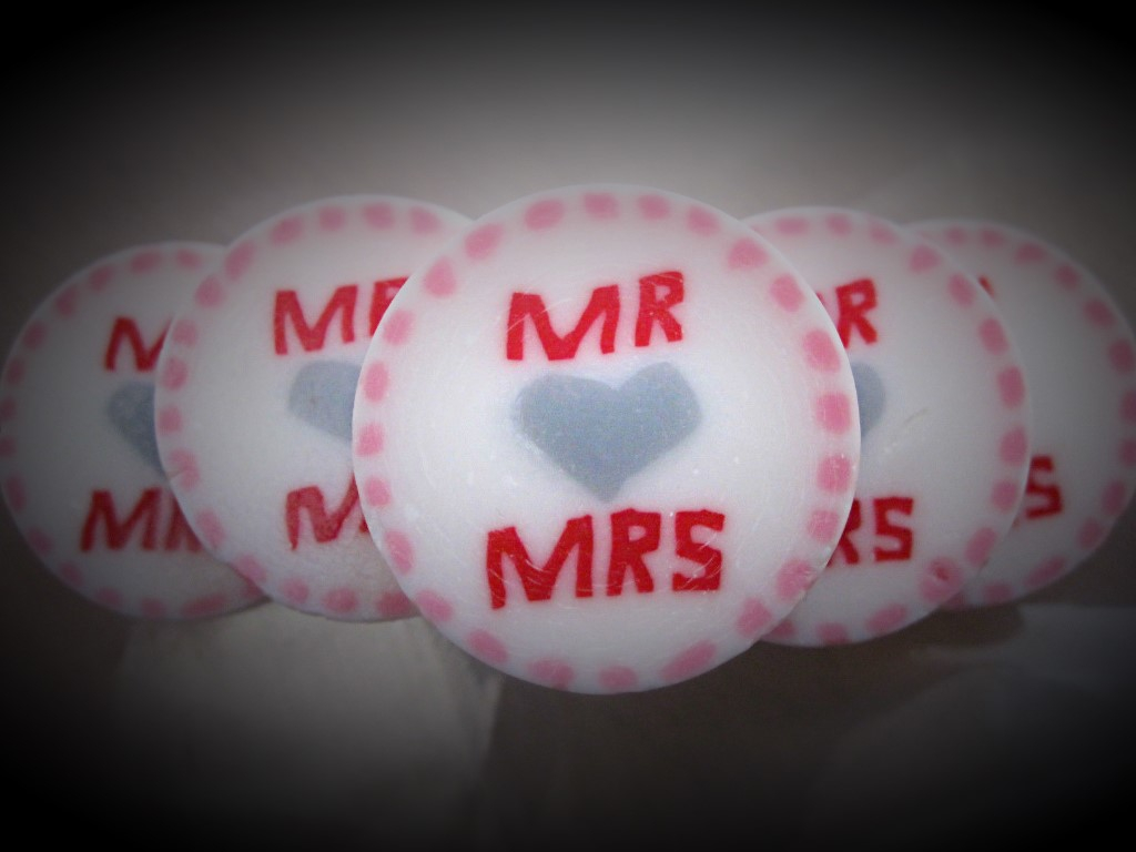 Pink Mr & Mrs Favours
