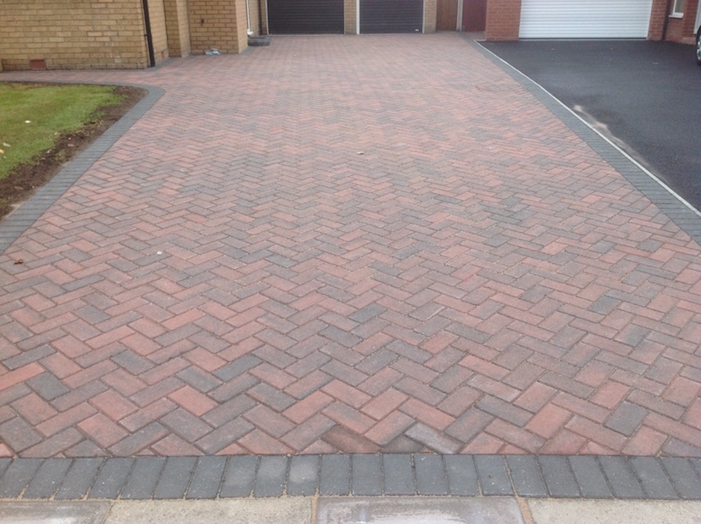 Stunning zigzag design by mono block driveway contractors Crewe DLP Paving and Fencing Sandbach