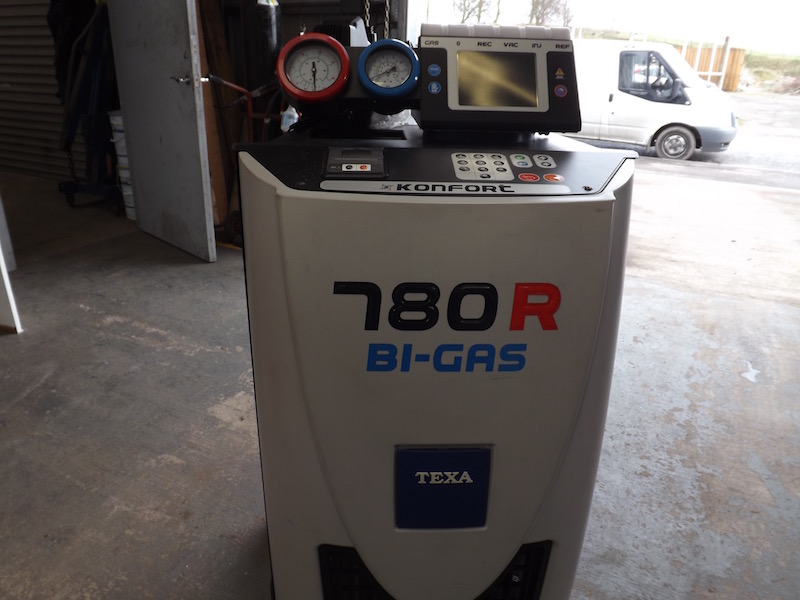 air con recharging by JVS Engineer Edingham Garage Dalbeattie