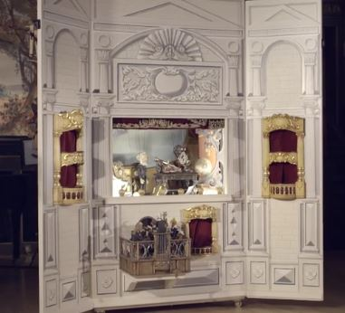 Puppet theatre with trompe l'oe