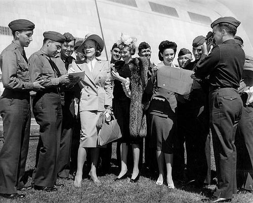 Marlene Dietrich Linda Darnell 1942