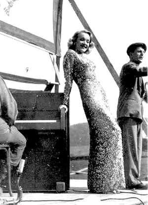Marlene Dietrich on stage war time