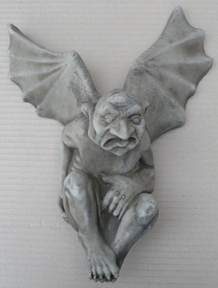 wall mountable winged gargoyle