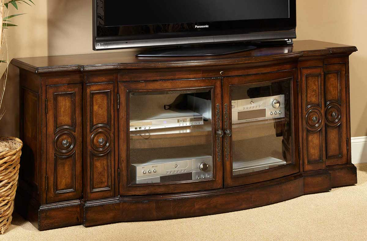 The Bella Cera entertainment console