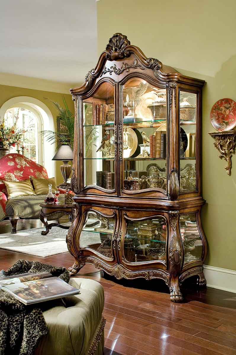 Chateau Beauvais dining room curio