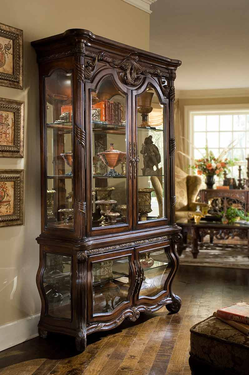 The Essex Manor dining room curio