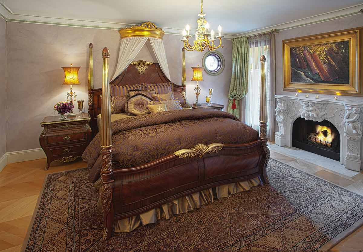The Imperial Court bedroom suite