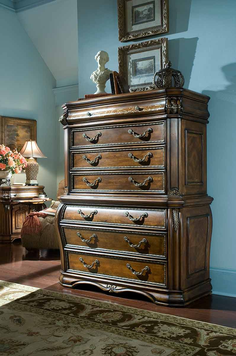 The Oppulente bedroom chest