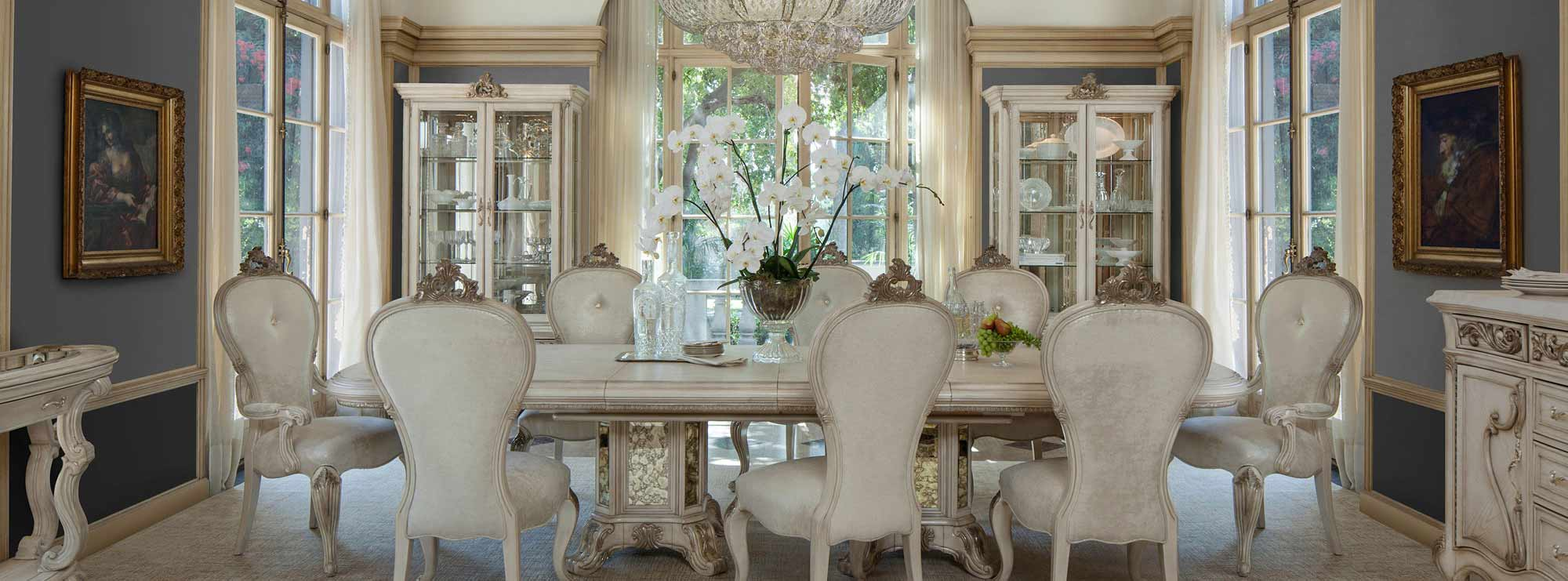 The Platine de Royale dining room suite