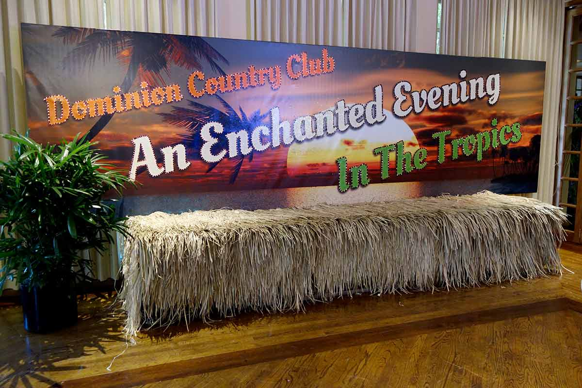 Catrina designed the illuminated Tropical Evening sign