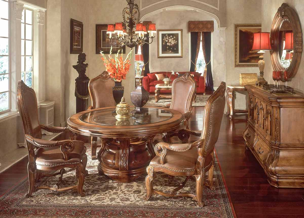 The Tuscano round dining table and chairs
