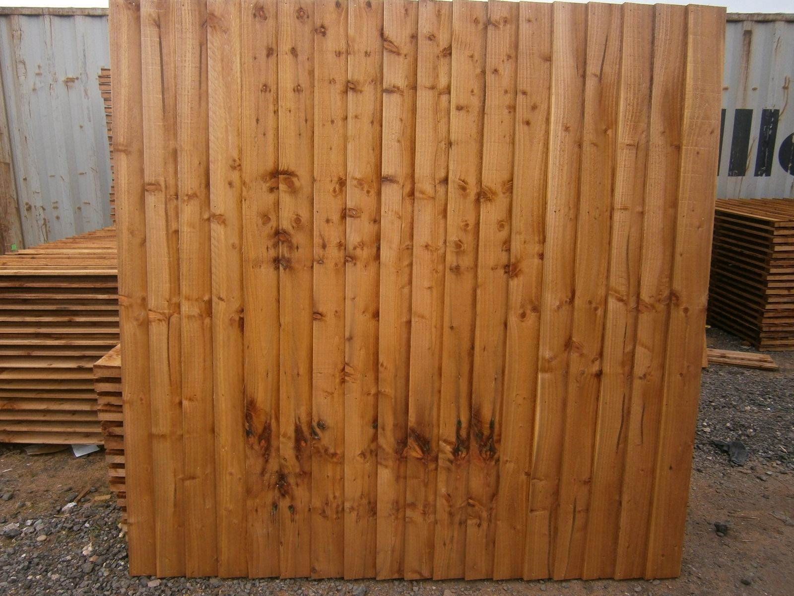 standard feather edge fence panel to buy in barking