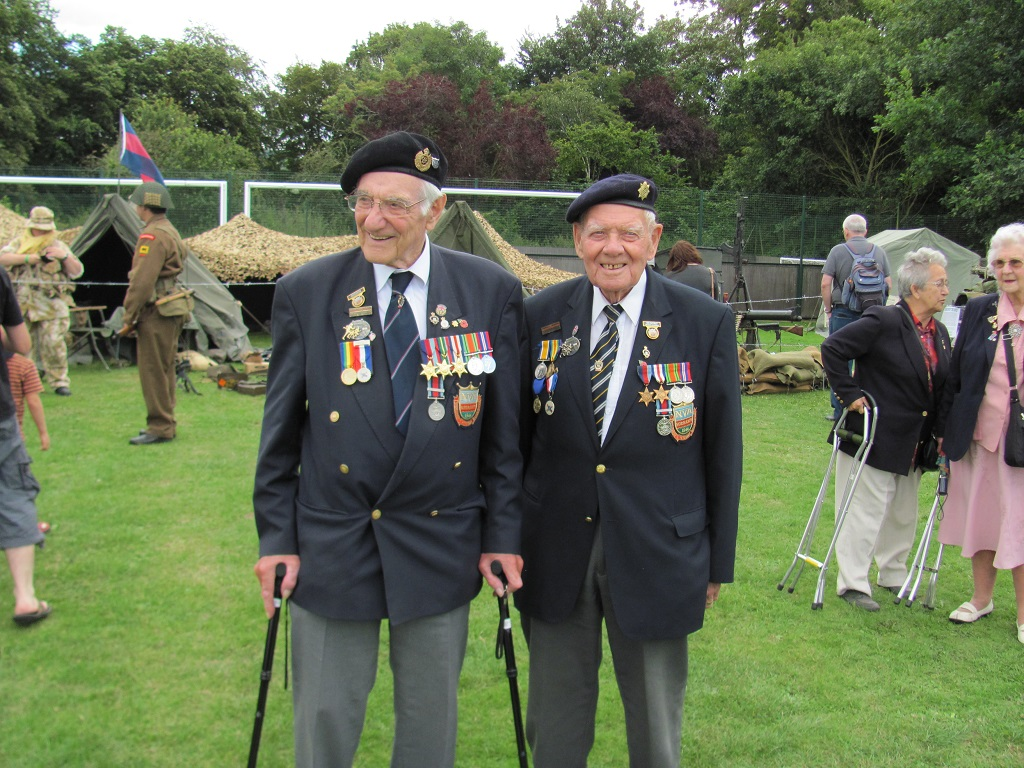 Wilts Normady Vets: Bob Conway & Gordon Smith