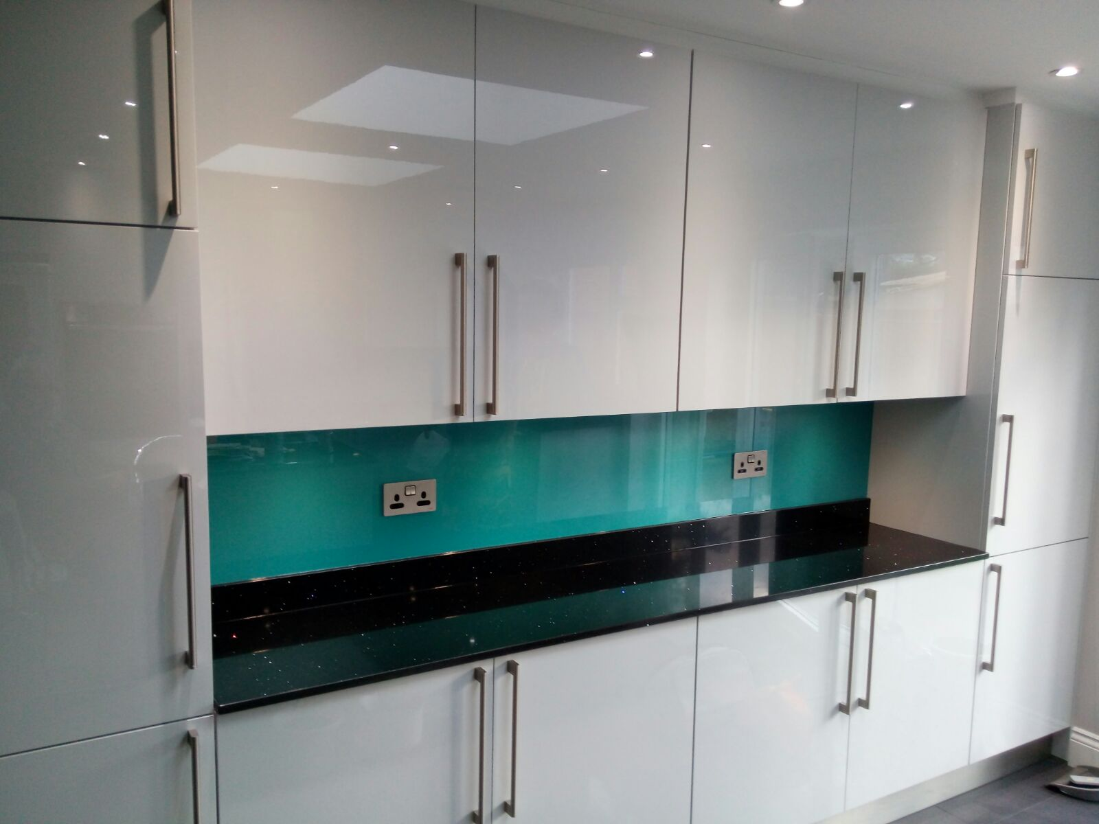 Bespoke Glass Splashbacks London, Coloured Glass Splashbacks London ...