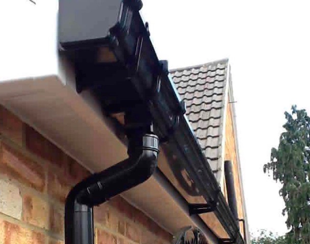uPVC guttering and downpipes by Seal it Roofing of Slough