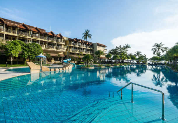 Accessible Marriott Hotel Phuket Pool