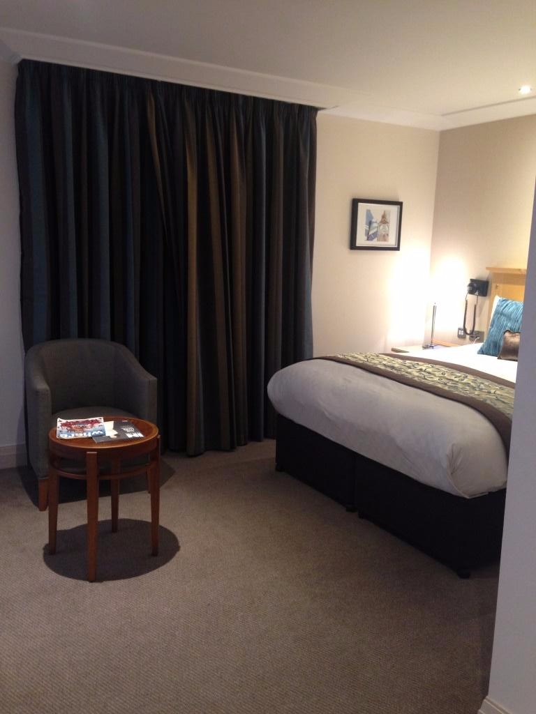 accessible hotel bedroom charing cross
