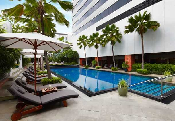 Accessible JW Marriott Hotel Bangkok Pool